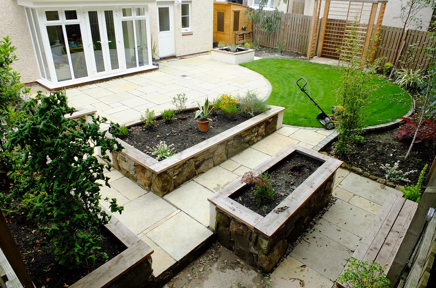 Modern natural garden design Edinburgh