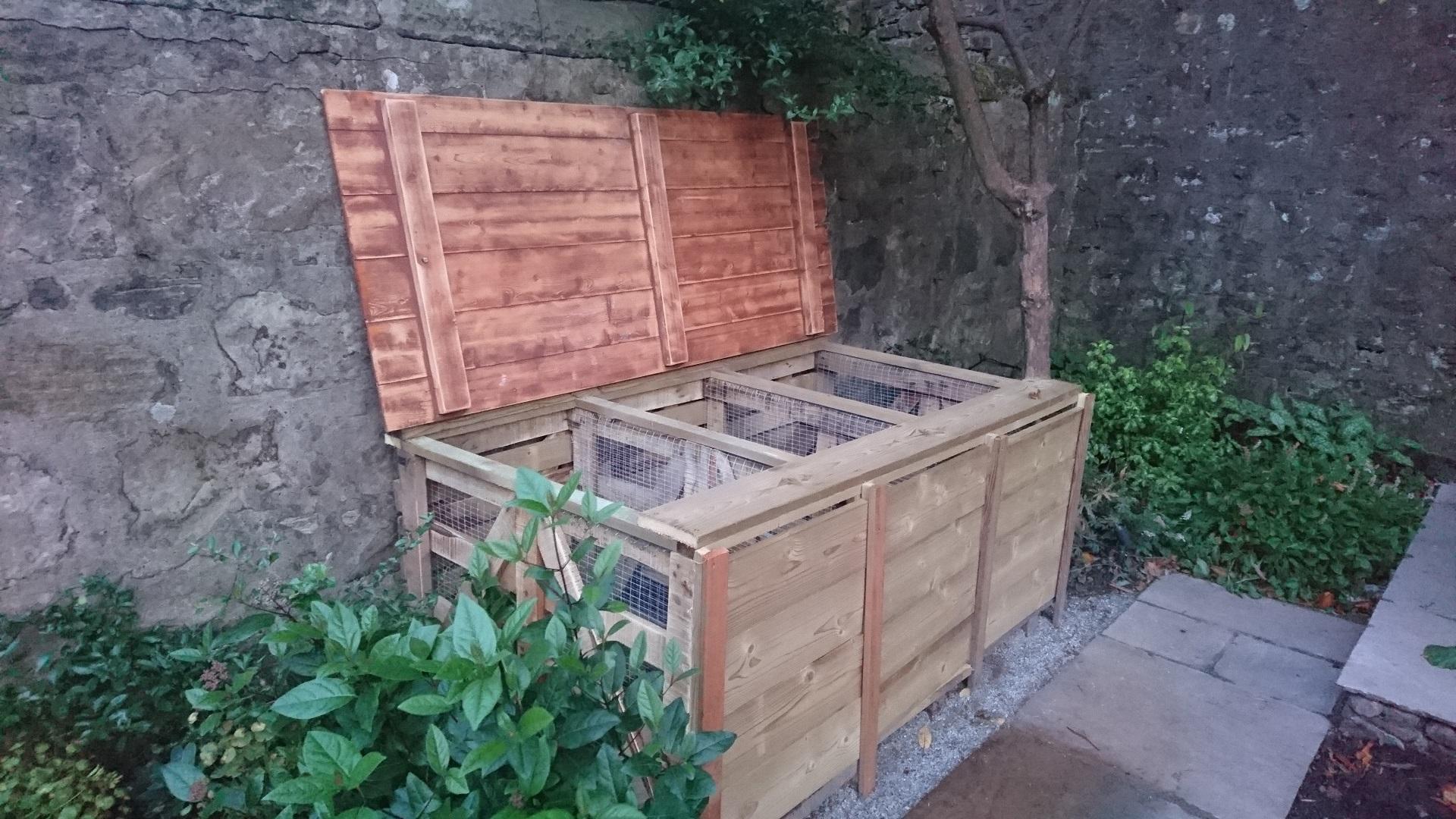 compost bins upscaled pallets